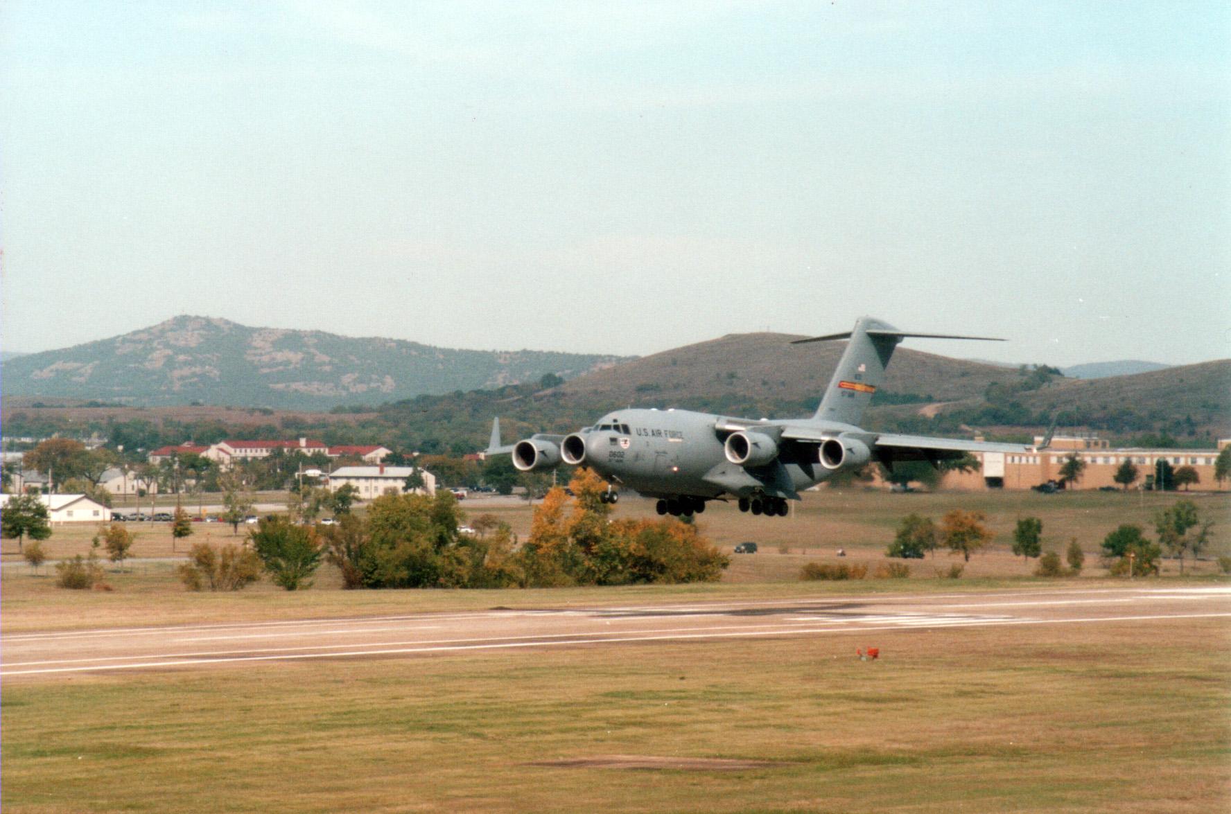 C17_landing.jpg